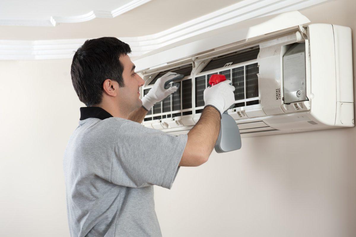 Cara Mencuci AC Rumah Mudah dan Bisa Anda Praktekkan Sendiri
