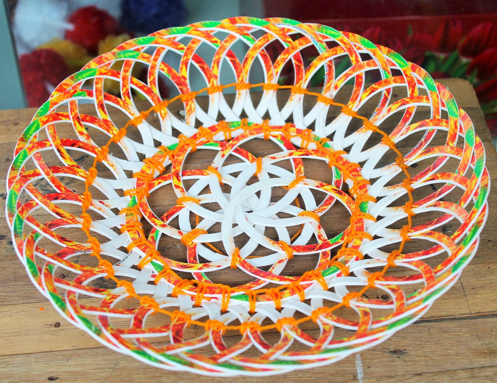 Kerajinan Tangan dari Gelas Plastik dan Cara Membuatnya